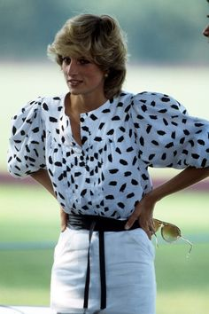 1983- White pencil skirt and patterned puff sleeve blouse - Princess Diana
