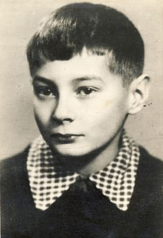 Warsaw Ghetto Uprising, 10 Year Old, 10 Years, Captain Corellis Mandolin, Innocent Child, The Lost World, Jewish History, Young Life, History