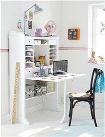 Hohes Schreibregal mit vielen Fächern und fünf Schubladen. Der Schreibplatz ist extrem platzsparend durch geringe Regaltiefe und einer Schre...