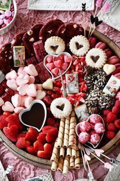 Valentine's Dessert Board | ©homeiswheretheboatis.net #valentinesday #desssert #board #chocolate