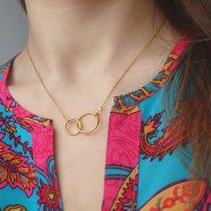 Złoty naszyjnik z obrączkami, srebro pozłacane, karma, dwa kółeczka, obrączki, biżuteria gwiazd, celebrytka / Golden Necklace, karma, jewellery, jewelry, celebrity