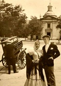 www madridantiguo org www ciudadyarrabal Old Pictures, Old Photos, Vintage Photos, Foto Madrid, Historical Clothing, Spanish, Barcelona, The Past, History