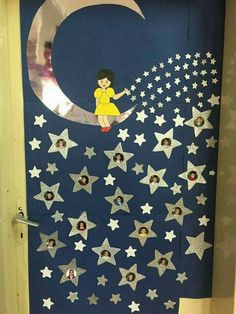 Spring Crafts for Kids / Preschoolers & Toddlers to make this season of new beginnings Space Classroom, Classroom Door, Classroom Design, Classroom Displays, Preschool Classroom, Decoration Creche, Class Door, Classroom Birthday, School Doors