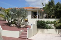 The front view of the villa #curacao http://www.hofikaribe.com