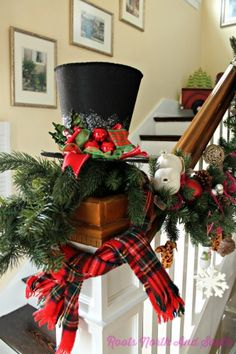 Love this but I know I'd knock that hat off the post 100 times. Great Christmas tophat though