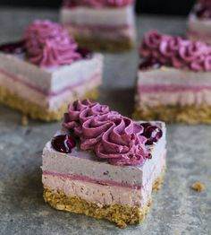 Mixed berry raw cheesecakes