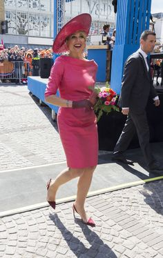 All the Times Queen Máxima Was So Legitimately Excited to See Her Fans, It Showed on Her Face. Kingsday April 2015