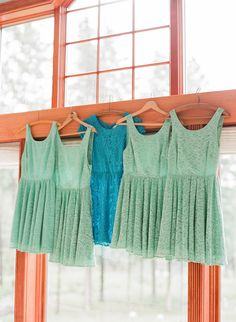 mint bridesmaid dresses and one in teal for the maid of honor.