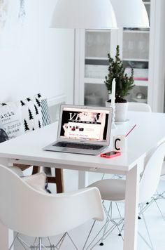 Tuolit ja pöytä