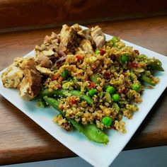 A new favourite!  @musclefooduk persian lime chicken with quinoa and minted peas. Shall get this again!!!! . I did my first #strengthfeedguide workout today  similar to my previous leg workout but this is the volume phase (and boy did I feel it) and I'm extremely happy to have mixed things up. I've honestly been too stubborn to follow a different routine  so I'm glad I've broken that trend . Likewise I like the flexibility of how it lets you set things up to your preferences. I'm going to be…