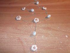collana fiori e perle :D