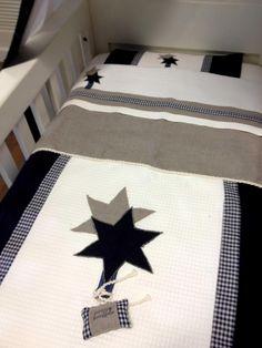 Baobao deken overtrek 100x150 uit eigen atelier, dit is slechts een voorbeeld, u mag zelf uw overtrek mee ontwerpen tot een verbluffend eind resultaat! Uniek in Nederland, dat kan alleen bij Babydeals!