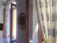 SANREMO (vendita) Delizioso appartamento in stile marinaro in zona Casinò. .. una casa con l'anima! Gli attuali proprietari di questa casa arredandola in stile marinaro, ne hanno completato l'essenza... RIBASSATO a Euro 85.000 trat (IPEgl clG 214.26-inv clG 114.03)
