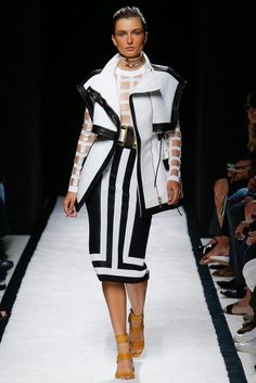Balmain at Luxury & Vintage Madrid , the best online selection of Luxury Clothing , Pre-loved with up to 70% discount