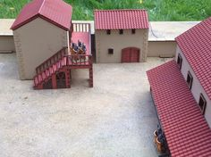 Gladiator school We are planning on getting some Gladiators and a rules set, possibly at Carronade this Saturday, so i thought i would m. Roman Architecture, Amazing Architecture, Architecture Design, Building Art, Building A House, Courtyard House Plans, Little Houses, Mini Houses, Roman Art