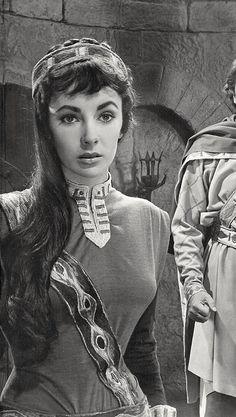 "olivethomas: ""Elizabeth Taylor in Ivanhoe, 1952 "" Hollywood Icons, Golden Age Of Hollywood, Vintage Hollywood, Hollywood Stars, Hollywood Actresses, Classic Hollywood, Actors & Actresses, Elizabeth Taylor Cleopatra, Elizabeth Taylor Eyes"