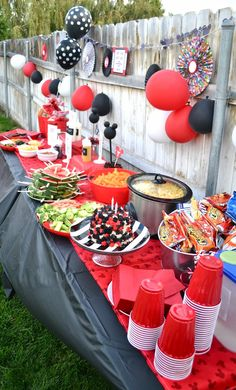 Mickey Mouse Party. 2nd Birthday. Hot Dog Bar