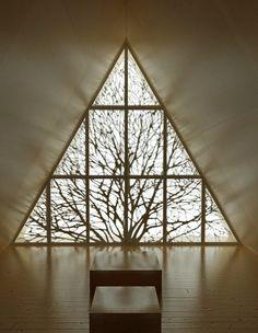 chapel- Lilja-meditative- More