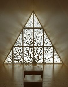 chapel- Lilja-meditative- More