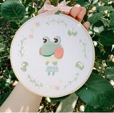 Game art 19703317107458849 - Source by Chezpoka Animal Crossing Villagers, Animal Crossing Pocket Camp, Animal Crossing Game, Diy Embroidery, Cross Stitch Embroidery, Embroidery Patterns, Sewing Patterns, Ac New Leaf, Cute Frogs