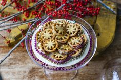 Hemsley + Hemsley Mini Mince Pie recipe...! Experience the joy of these little almond pastry shells, filled with naturally sweet dried fruit and festive spices minus the processed sugars but still with plenty of the flavour. Even better, these delicious, handmade treats make the perfect homemade gift! Make it super special and stack them in a glass jar, labelled with a brown paper luggage tag for a beautifully presented gift with that personal touch that your friends are bound to love.