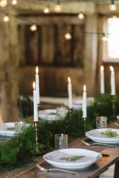 8 Gorgeous Thanksgiving Tablescapes via @PureWow