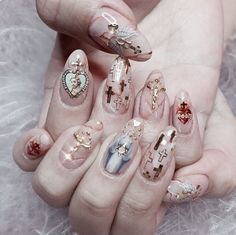 "If you're unfamiliar with nail trends and you hear the words ""coffin nails,"" what comes to mind? It's not nails with coffins drawn on them. It's long nails with a square tip, and the look has. Nail Design Stiletto, Nail Design Glitter, Glitter Nails, Nails Design, Acrylic Nails, Gel Nail Art, Nail Polish, Nail Nail, Cute Nails"
