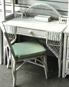 Houston: White Wicker Desk and Chair set $115 - http://furnishlyst.com/listings/279975