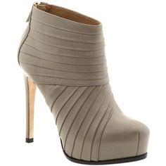 Pour La Victoire Laisha Low Shaft High Heel Boots
