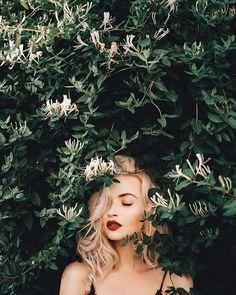 Photography girl poses natural photoshoot Ideas for 2019 Portrait Photography Poses, People Photography, Photo Poses, Girl Photography, Fashion Photography, Photo Shoots, Photography Filters, Photography Editing, Photography Backdrops