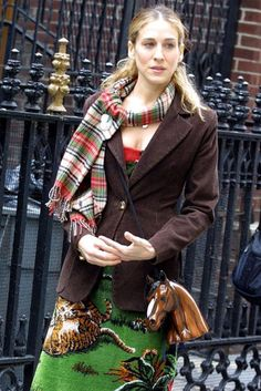 christmas colors: find a similar scarf