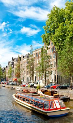 Famous canal in Amsterdam, The Netherlands    |  13 Reasons Why The Netherlands Must Be On Your Bucket List