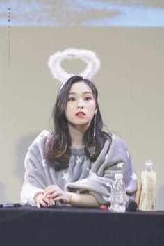 our angel gahyeon Korea, Red Velvet Seulgi, Female Portrait, Our Girl, Kpop Girls, Girl Group, Dream Catcher, Dream Land, Mamma
