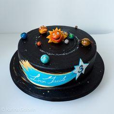 Children's Birthday Cakes - Solar System for 3 years old boy Toddler Birthday Cakes, 3rd Birthday Cakes, Candy Cakes, Cupcake Cakes, Cupcakes, Teen Cakes, Cakes For Boys, Solar System Cake, Alien Cake