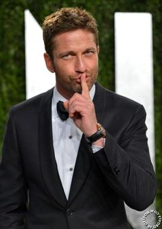 Gerard Butler appears at Vanity Fair's Oscar Party February 24, 2013