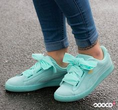 Don't feel blue. De week is alweer halverwege!! https://www.sooco.nl/puma-suede-heart-reset-wns-blauwe-lage-sneakers-30199.html