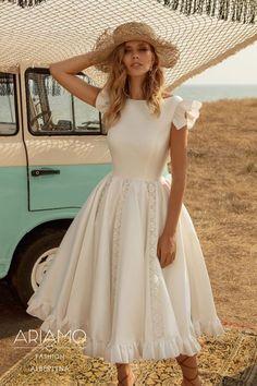 Classy Dress, Classy Outfits, Dress Casual, Short Ivory Wedding Dress, Civil Wedding Dresses, Modest Fashion, Fashion Dresses, Knee Length Dresses, Long Dresses