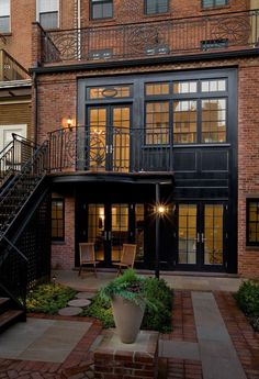 Brooklyn Brownstone design, images, remodeling, decor and ideas Brooklyn Brownstone, Brooklyn House, Rustic Outdoor Decor, Balustrades, Glass Balustrade, Urban Loft, Red Bricks, Red Brick Houses, Modern Brick House
