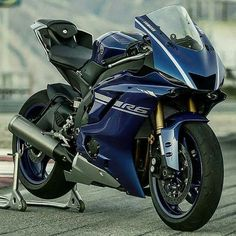 What do you thinks? #R6#YZF#chairellbikes4life #YAMAHA