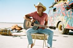 Kenny Chesney has been hard at work on his Big Revival Tour and most recently he stopped in San Francisco to play for his fans by the bay. Watch the video below! #NoShoesTV #KennyChesney #LevisStadium