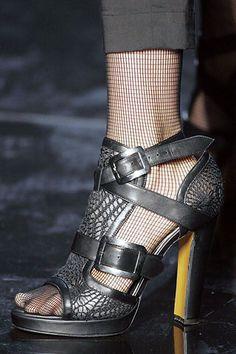 89 Best I Love Schuhes  Jean Paul Gaultier Gaultier Paul Schuhes images   Jean paul ... 012711