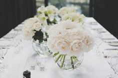 Clusters of the same blooms are so simple and so crazy pretty  Photography by http://katemacpherson.com, Wedding Coordination and design by http://erinlovich.com/, Florals by http://www.cartierforflowers.co.nz/