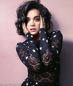 Stars for a star: Lily Allen posed for Elle Magazine in a navy cotton and lace dress printed with bright white stars Lily Allen Hair, Lilly Allen, Pretty People, Beautiful People, Amazing People, Beautiful Images, Beautiful Women, Poses, Elle Magazine