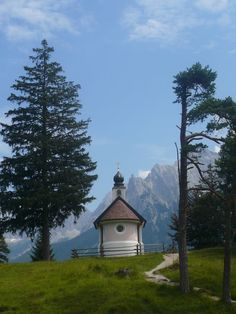 Bergkapelle am Lautersee - Mountain Chapel at the Lautersee/Mittenwald/Bavarian alps