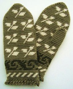 Traditional Finnish crochet mittens pattern by Jolanta Gustafsson, includes US pattern abbreviations and color chart from Crochet Spot