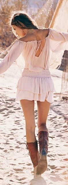 Sexy boho chic style. FOLLOW > https://www.pinterest.com/happygolicky/the-best-boho-chic-fashion-bohemian-jewelry-gypsy-/ NOW for the BEST Bohemian fashion &  carefree lifestyle trends.