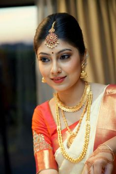 Mouni roy in naagin Indian Bridal Makeup, Indian Wedding Jewelry, Bridal Jewellery, Indian Weddings, Gold Jewellery, Bridal Silk Saree, Saree Wedding, Wedding Bride, Wedding Couples