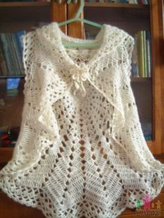 Bolero openwork from one knitted crocheted fabric /Bolero tracery de un material croșetat / Crochet Bolero, Crochet Shrug Pattern, Crochet Jacket, Crochet Cardigan, Crochet Scarves, Crochet Clothes, Easy Crochet, Knit Crochet, Crochet Sunflower