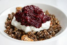 NEW RECIPE: Delicious Duo's Acai Granola with Acai Berry Jam - make this for the week ahead!  A fantastic guest recipe from the Delicious Duo girls on @kaizenliving using their organic chia seeds and acai powder - buy yours here! https://www.vivolife.co.uk/brands/kaizen-living/