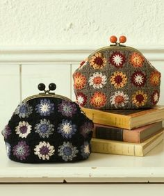 podkins: These are adorable. I'm loving the vintage feel. Such sweet mini granny squares! apithanny: apithanny - for crafty loveliness:) These are soooo cute - Grannies Crochet, Crochet Motifs, Love Crochet, Knit Crochet, Crochet Patterns, Crochet Cushions, Crochet Blocks, Crochet Pillow, Afghan Patterns